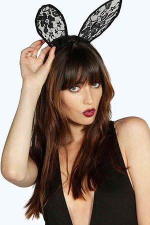 Kings Court Massage - Girl red lips bunny ears